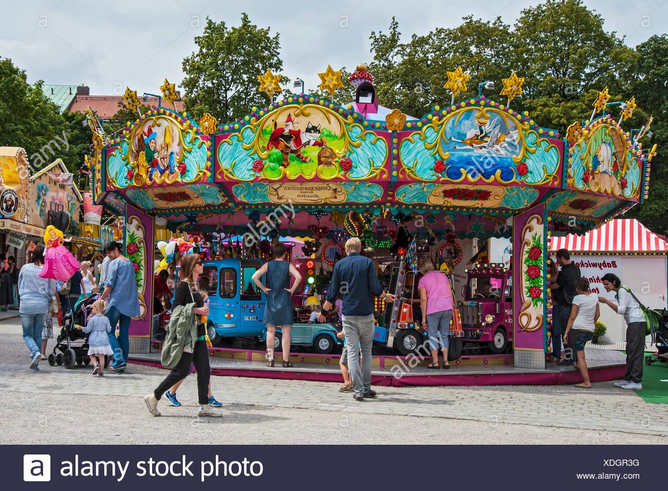 Enfants nostalgique&#39;s carousel, Auer Dult, Munich, Haute-Bavière, Bavière, Allemagne Photo Stock
