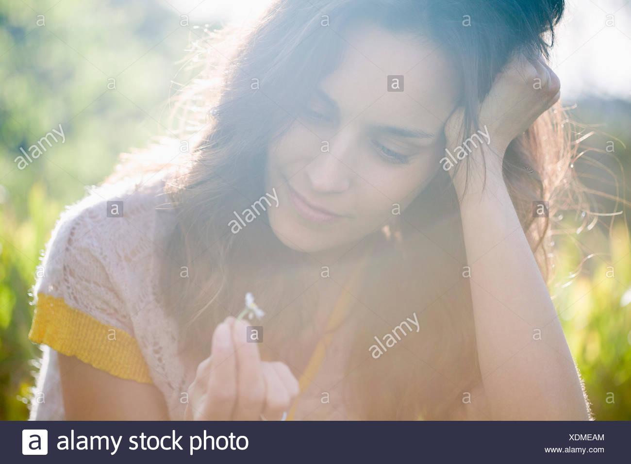Belle femme rêver Photo Stock