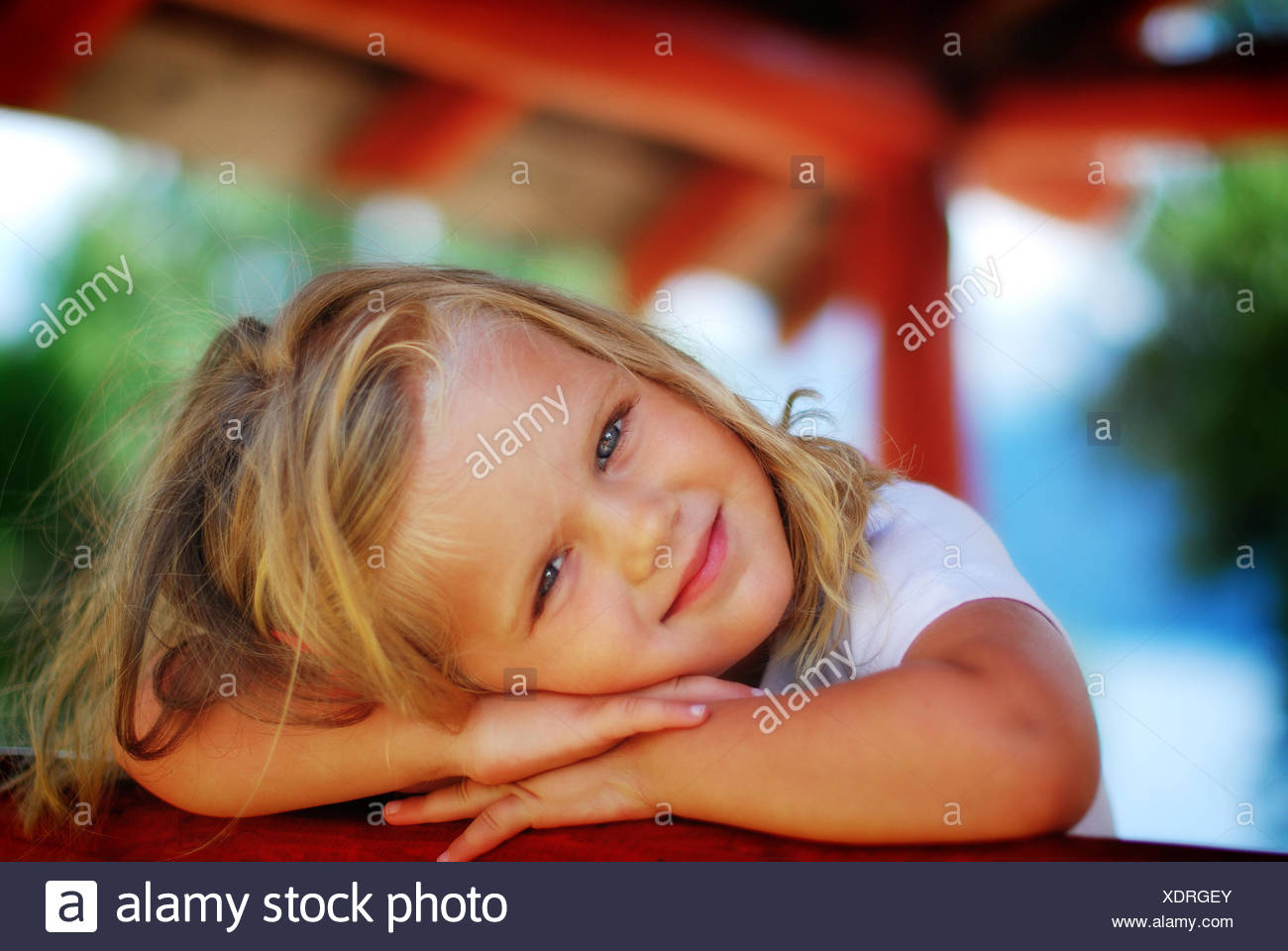 L'Argentine, Rio Negro, Portrait of little girl smiling Photo Stock