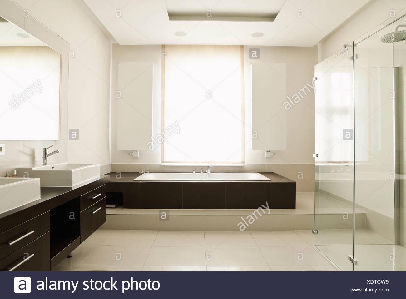 Salle De Bain Allemagne allemagne, berlin, d'une salle de bains moderne banque d
