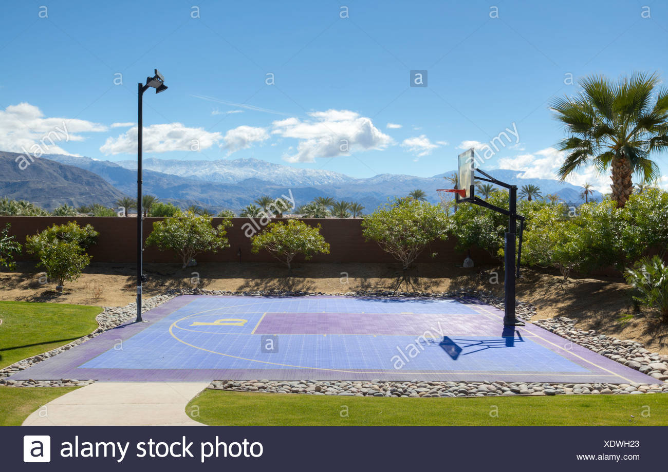Vide de basket-ball avec des pôles Photo Stock