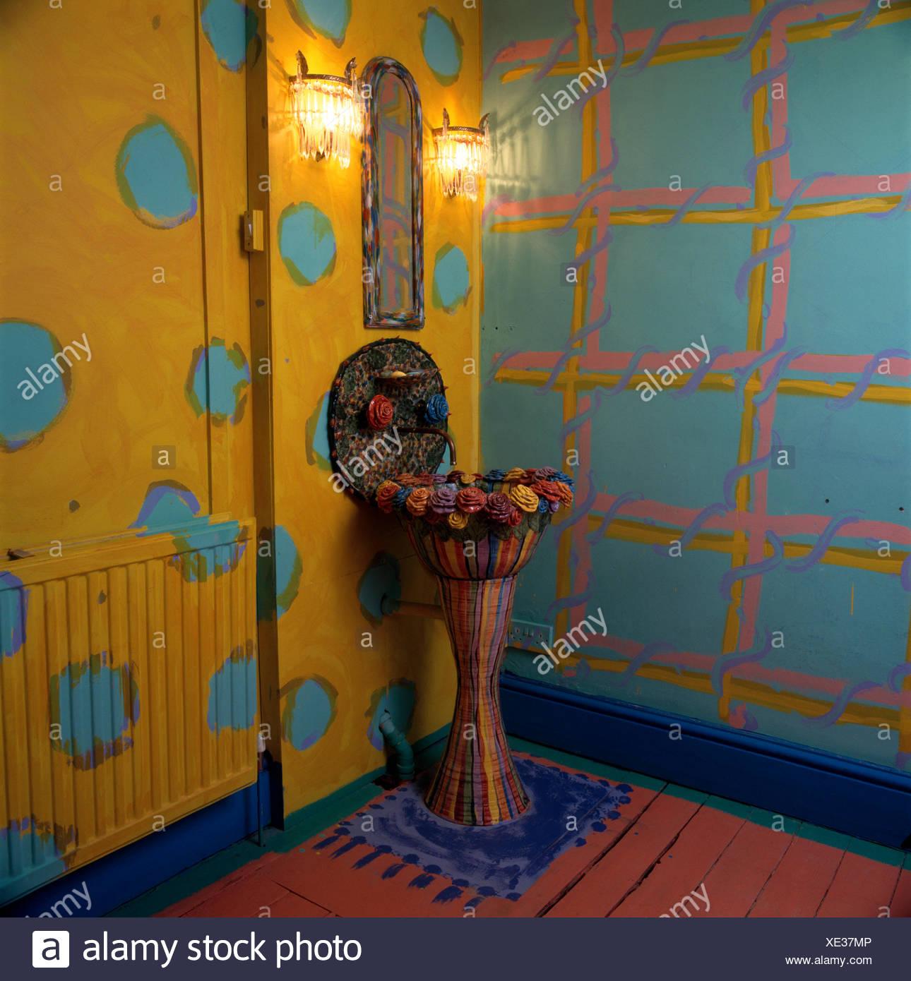 Bassin en céramique incrusté Rose turquoise et jaune des années 90 ...