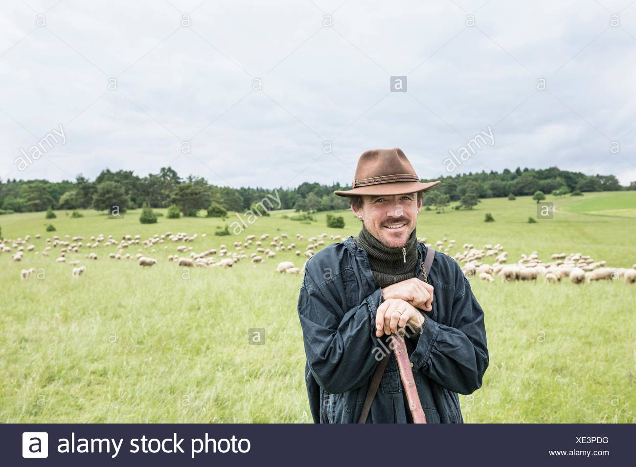 Portrait of farmer in field Banque D'Images