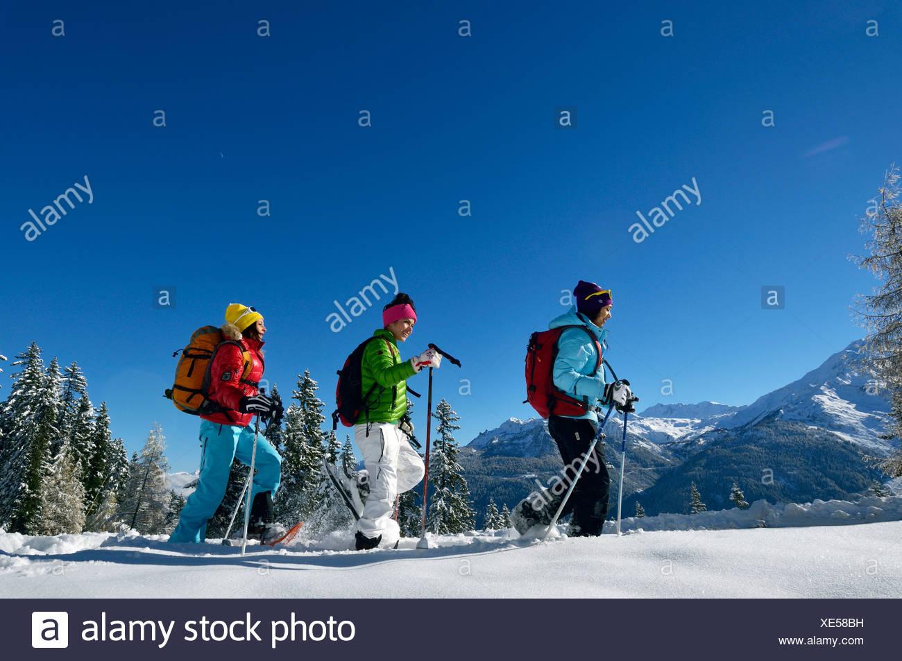 Trois adolescentes de la raquette, France Photo Stock