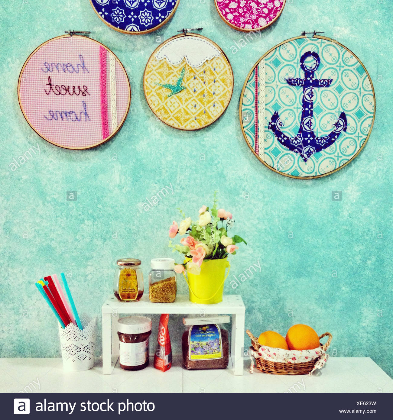 Home sweet home de l'alimentation, de l'arrangement de fleurs et décorations Photo Stock