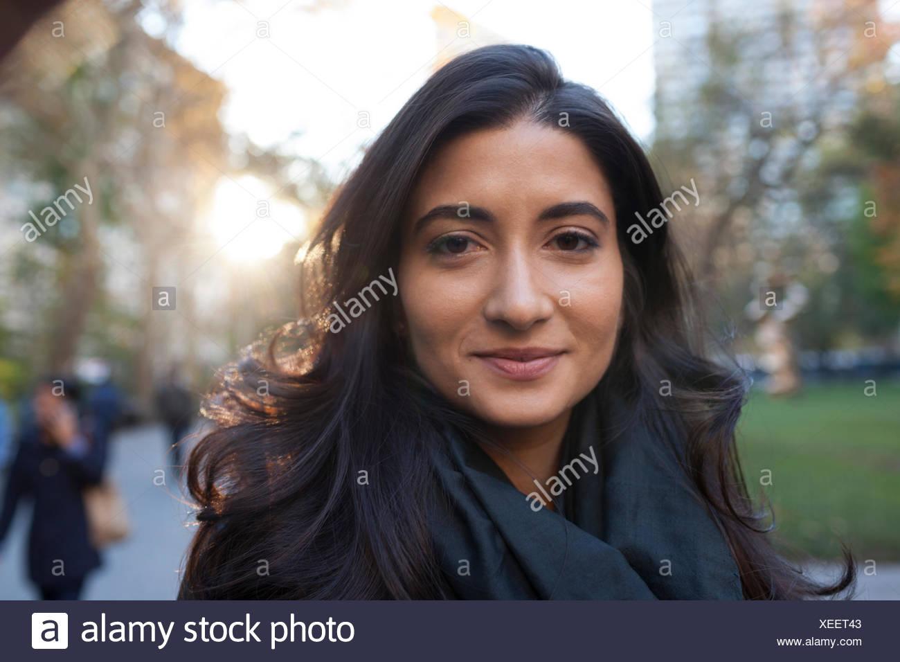 Portrait d'une belle jeune femme Photo Stock