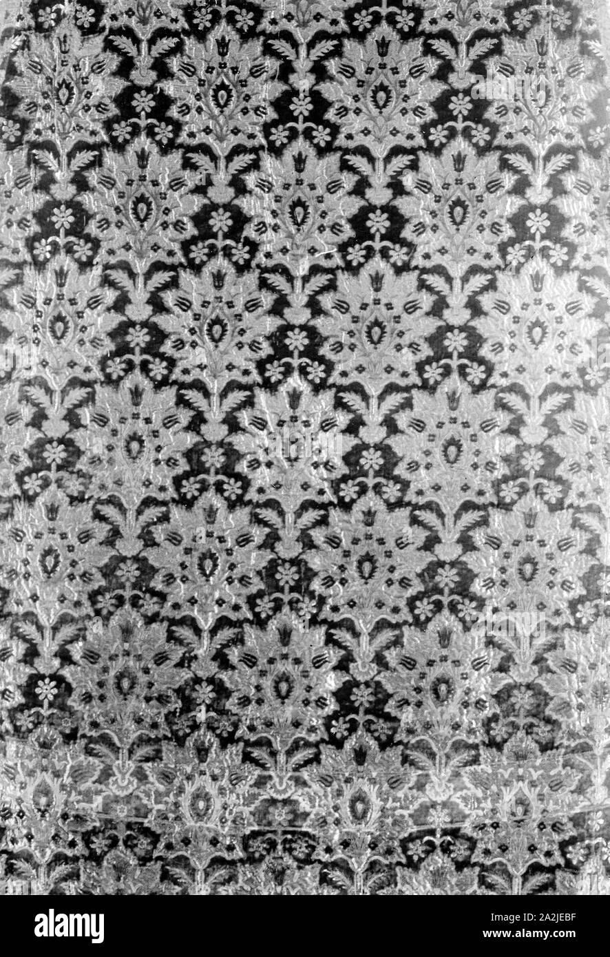 Viola Prugna Oro Paillettes ricamato su nastro di velluto con applique Motif rifilatura Decor