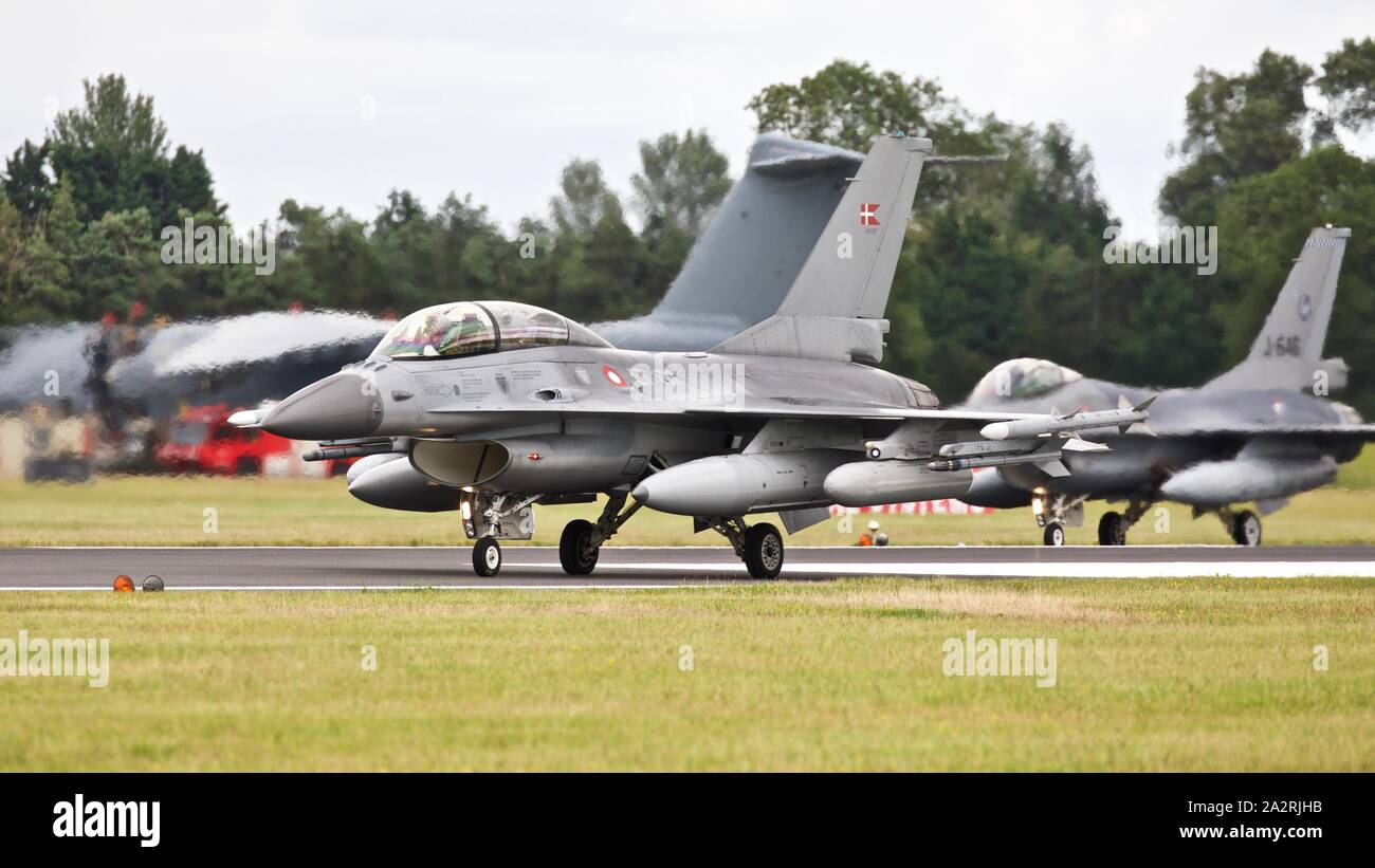 Royal Air Force danese General Dynamics F-16B Fighting Falcon(ET-197) presso il Royal International Air Tattoo 2019 Foto Stock