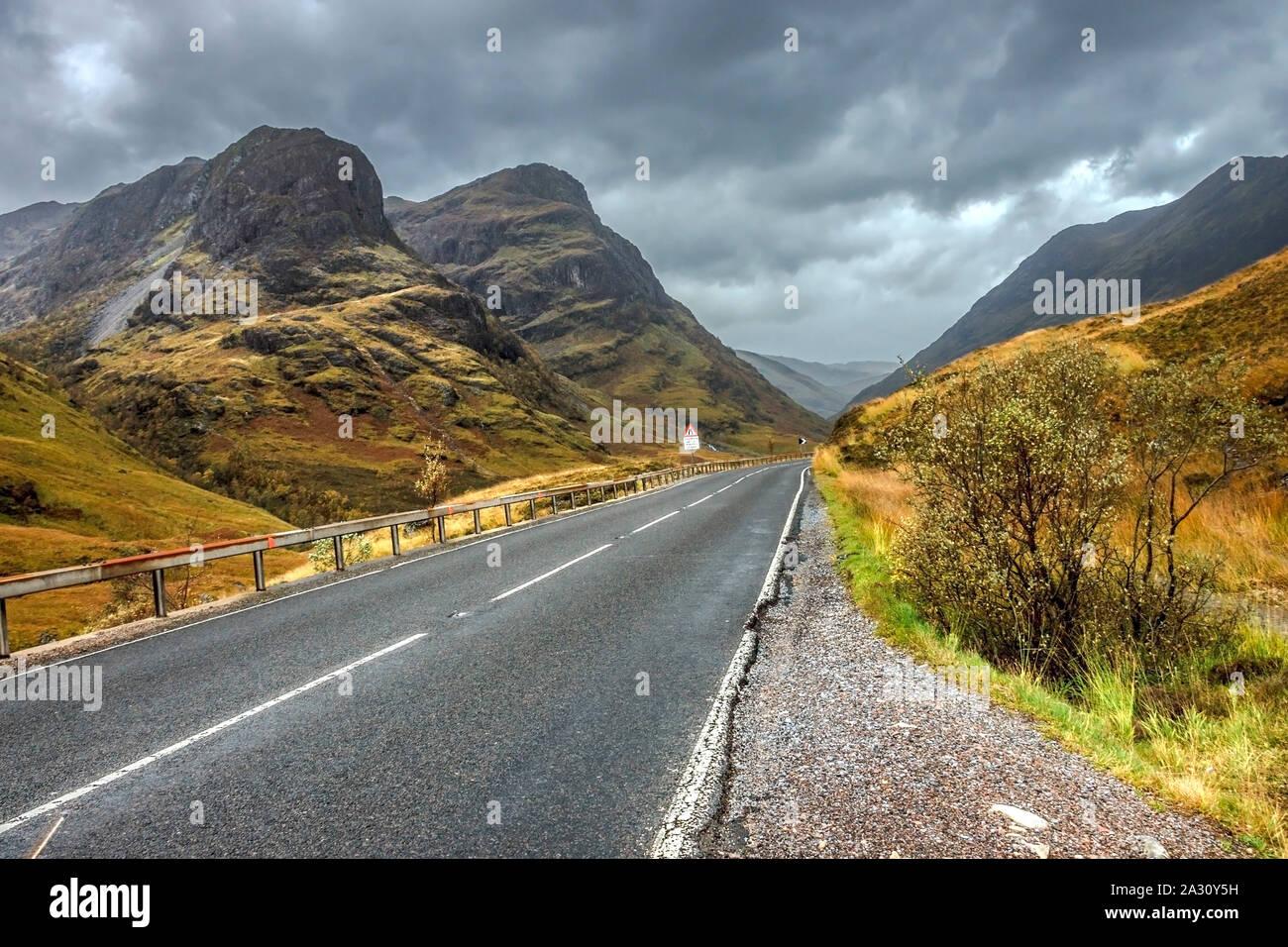 Glencoe e A82 Road. Area di Lochaber nelle Highlands, Scotland, Regno Unito. Highlands scozzesi. Foto Stock