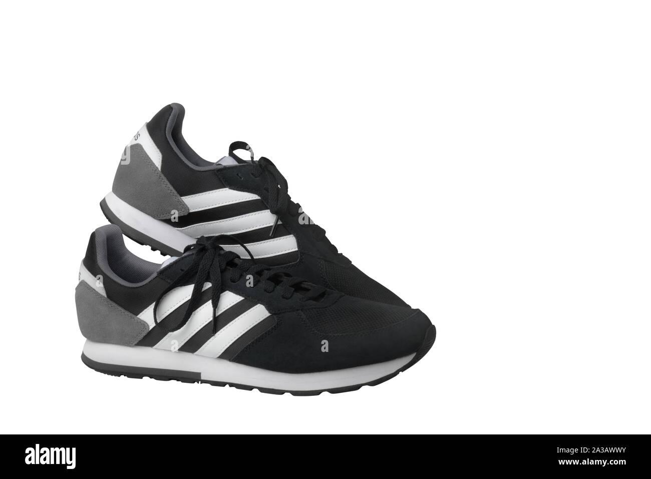 Adidas White Sneakers Immagini & Adidas White Sneakers Fotos