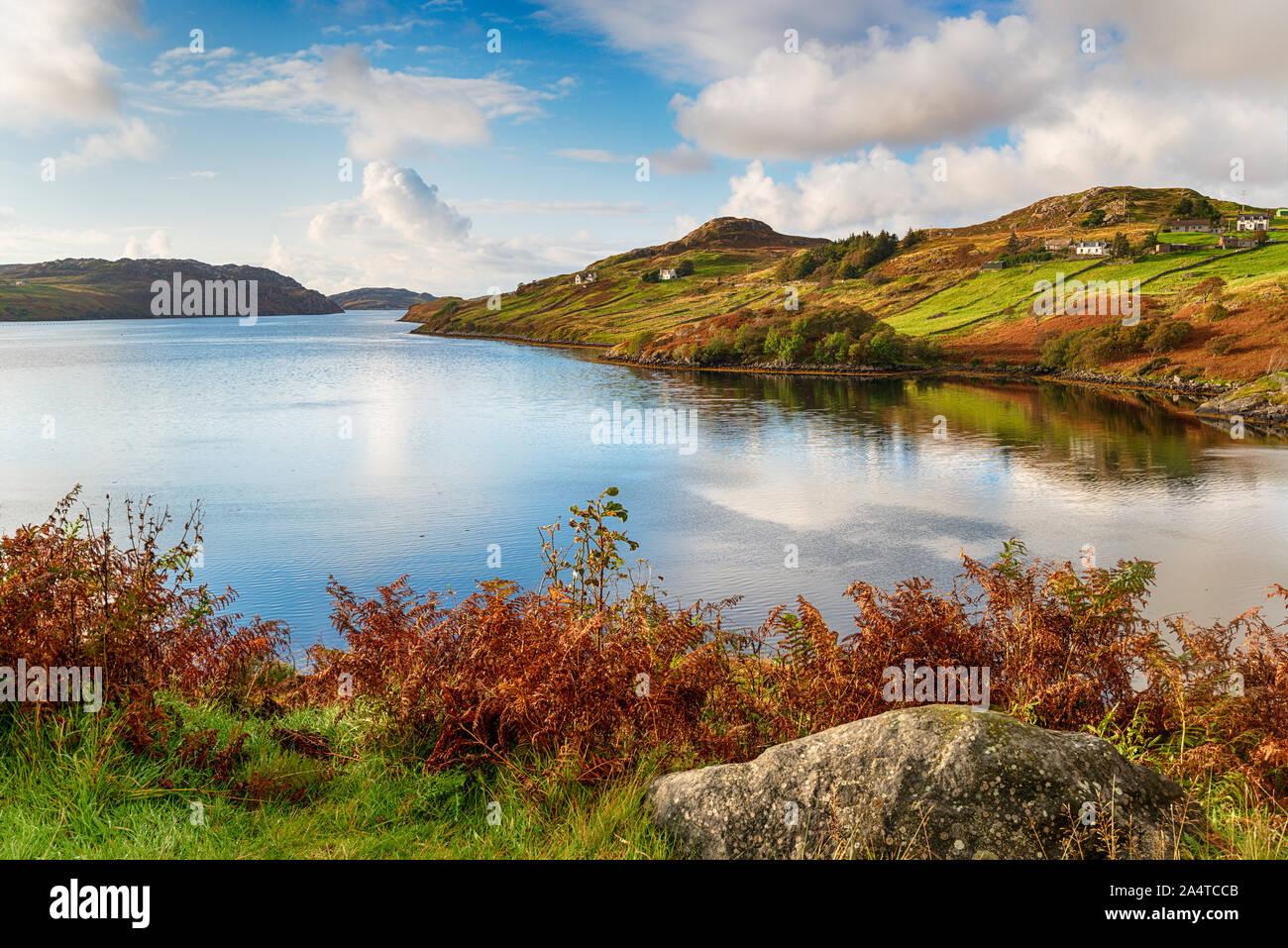 Autunm a Loch Inchard a Kinlochbervie nelle Highlands della Scozia Foto Stock