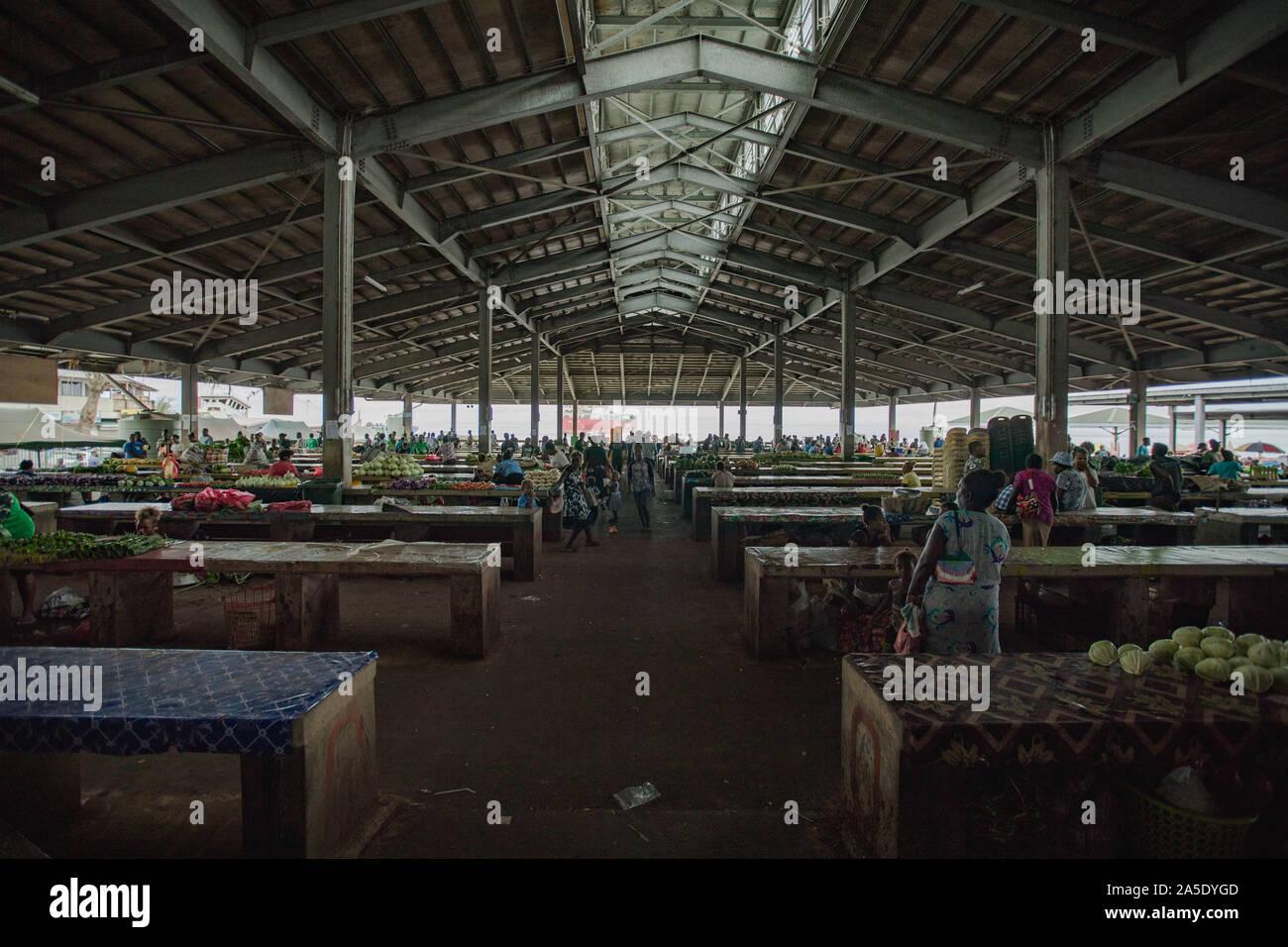 (191020) -- Isole Salomone, 20 ott. 2019 (Xinhua) -- foto scattata su 13 Ottobre, 2019 mostra la Honiara mercato centrale di Honiara, Isole Salomone. (Foto di Zhu Hongye/Xinhua) Foto Stock