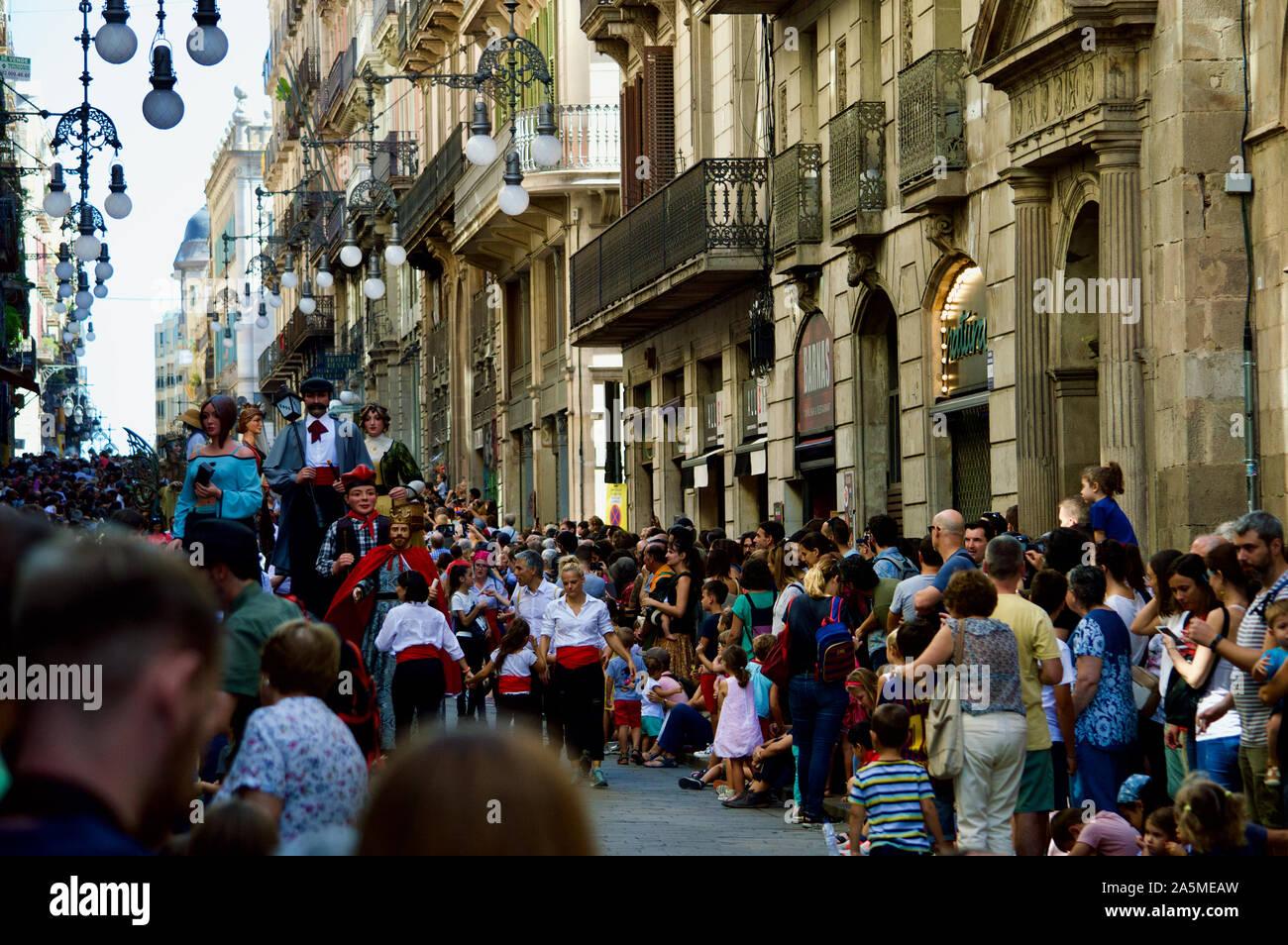 La Parata dei giganti durante la Merce Festival 2019 a Placa de Sant Jaume a Barcellona, Spagna Foto Stock