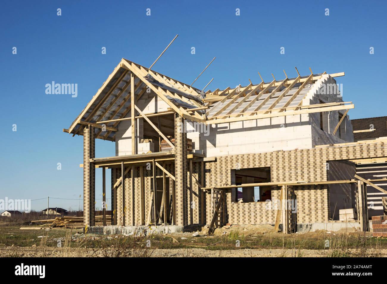 Costruire Tetto In Cemento in costruzione casa di cemento cellulare blocchi. il tetto è