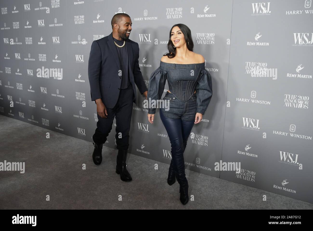 New York, Stati Uniti. 6 Nov, 2019. Kanye West e Kim Kardashian arrivano sul tappeto rosso al WSJ Mag 2019 Innovator Award presso il Museo di Arte Moderna di Mercoledì, Novembre 06, 2019 a New York City. Foto di Giovanni Angelillo/UPI Credito: UPI/Alamy Live News Foto Stock