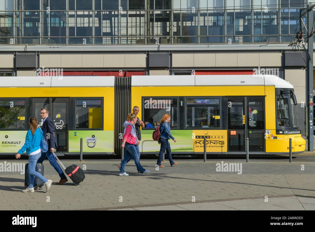 Il Tram, Alexanderplatz Mitte di Berlino, Deutschland Foto Stock