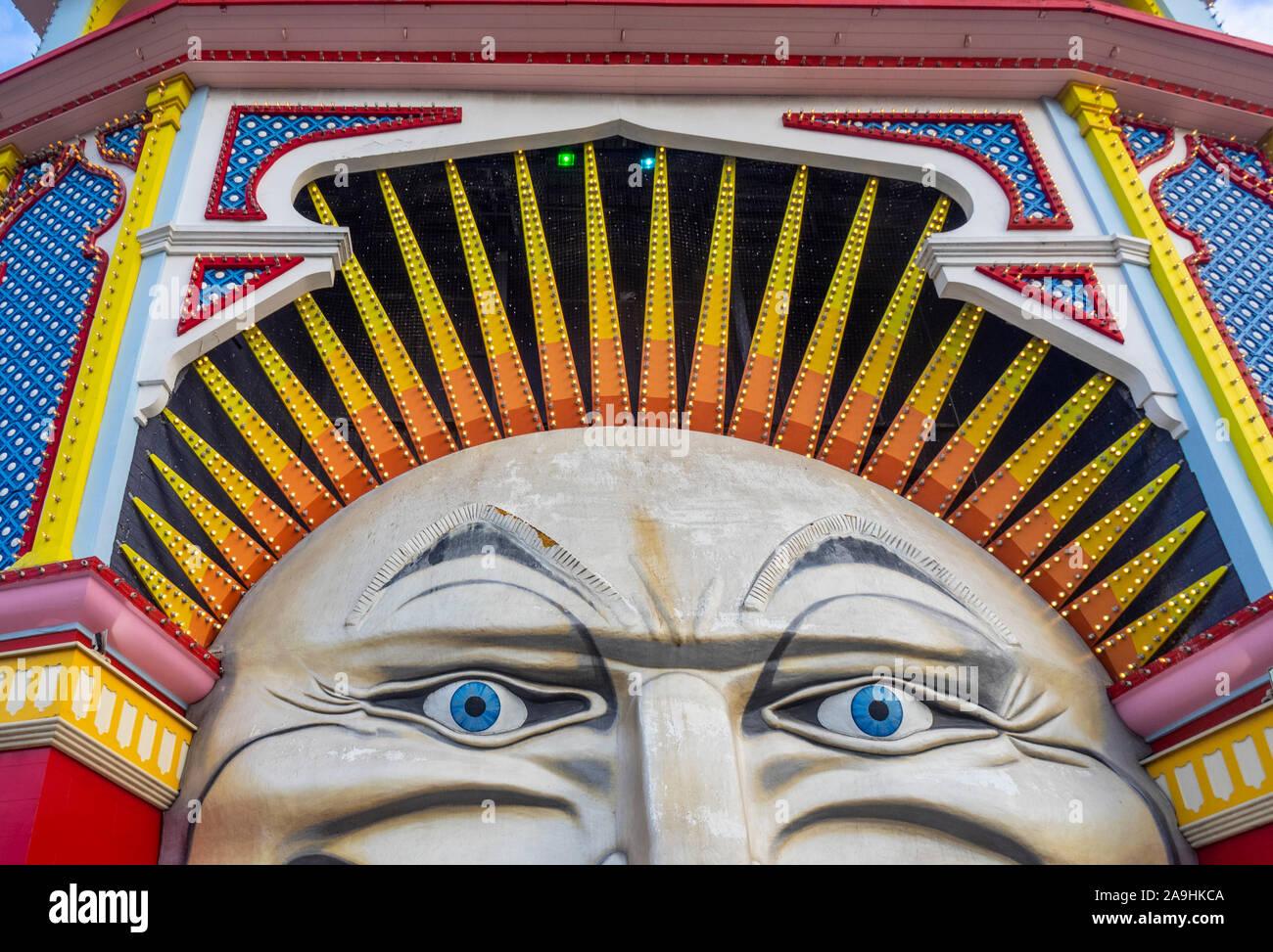 Signor iconica il volto della Luna ingresso al Luna Park parco divertimenti fiera in St Kilda Melbourne Victoria Australia. Foto Stock