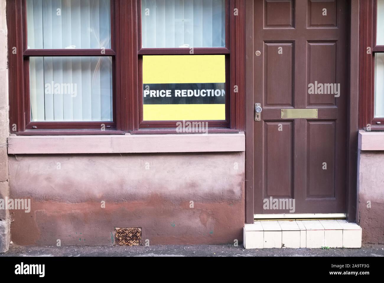 Casa la riduzione del prezzo in consiglio povera città con una popolazione in declino Foto Stock