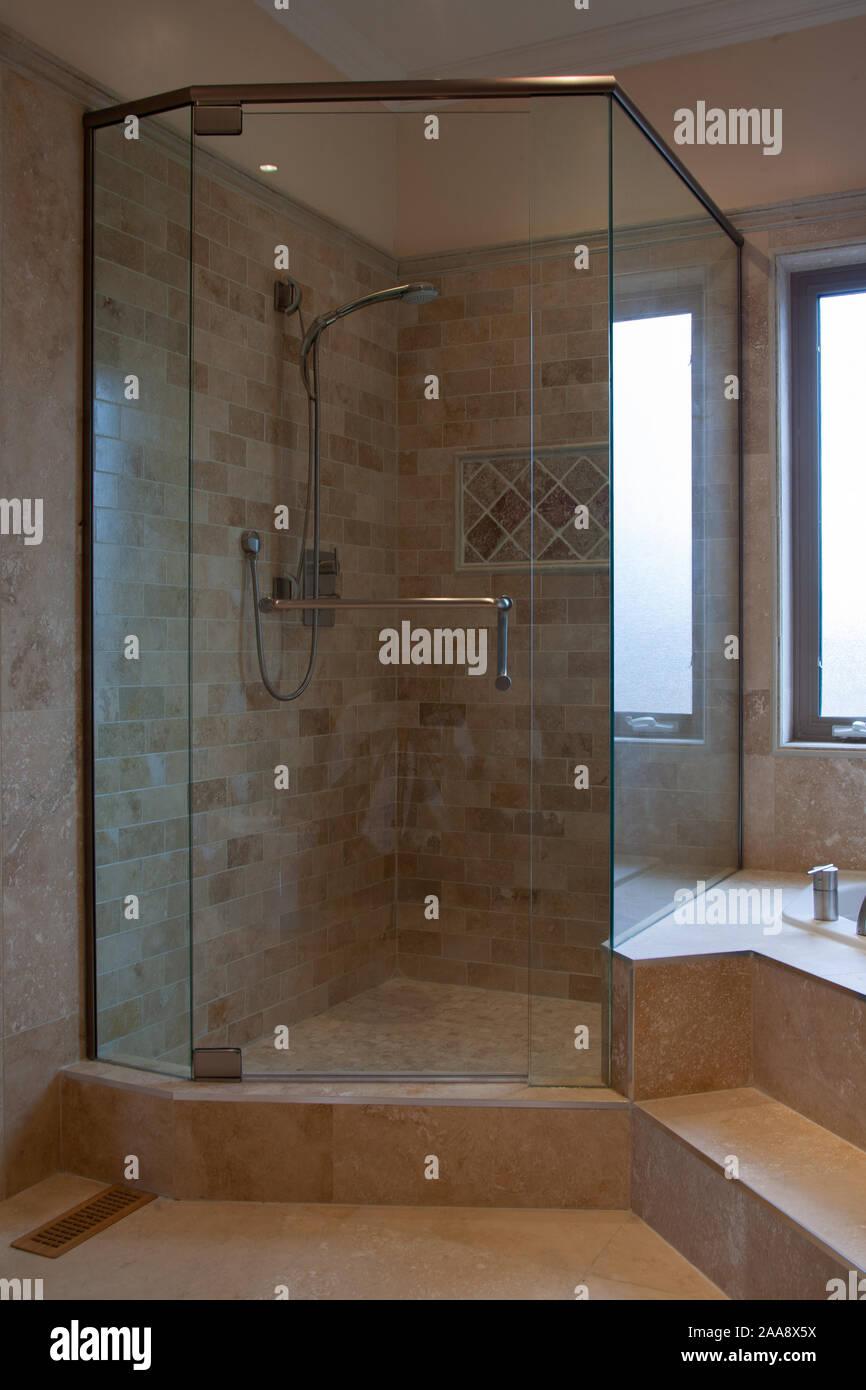 Bagni Di Lusso Moderni casa privata interna del lusso moderno bagno foto & immagine