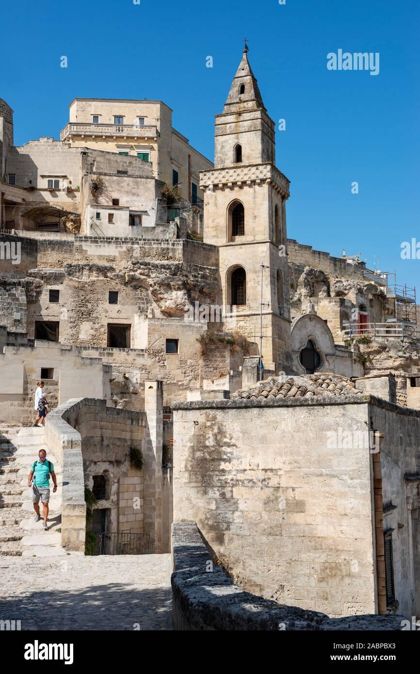 Il campanile della chiesa di San Pietro Barisano (Chiesa di San Pietro Barisano) in Sassi di Matera, Basilicata, Italia Meridionale Foto Stock