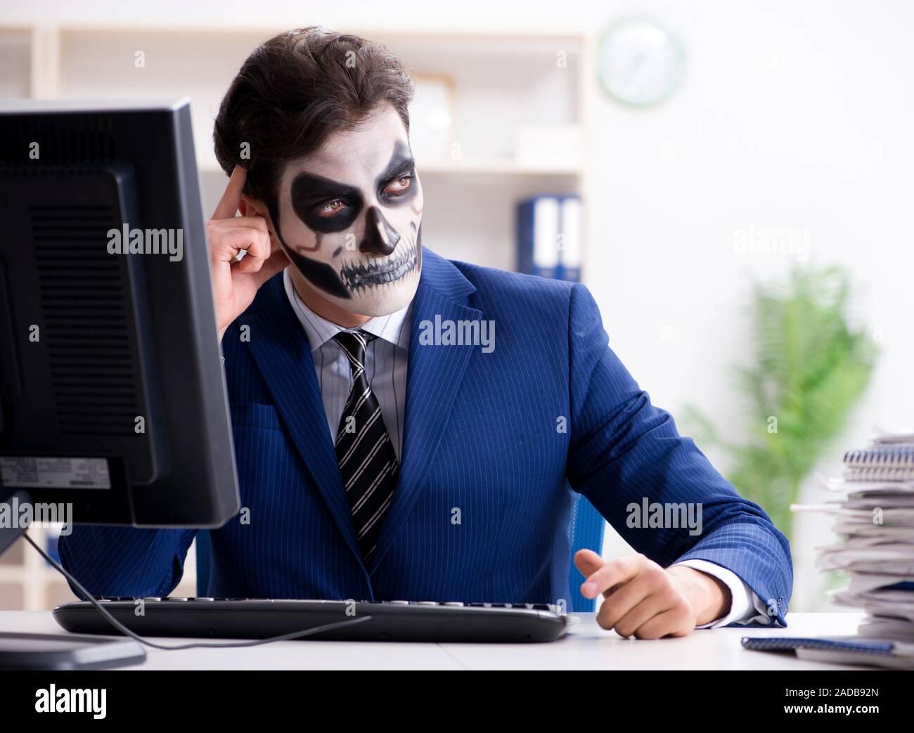 maschera facciale lavoro