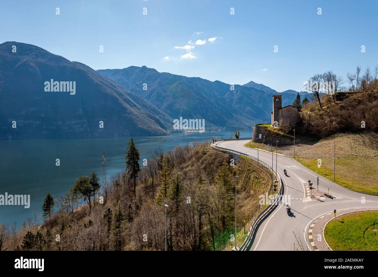 Vista Del Lago D Idro Dalle Montagne Di Bagolino Un Villaggio Famoso Per Il Bagoss Una Destinazione Turistica Per La Montagna E Lago Di Vacanze Foto Stock Alamy