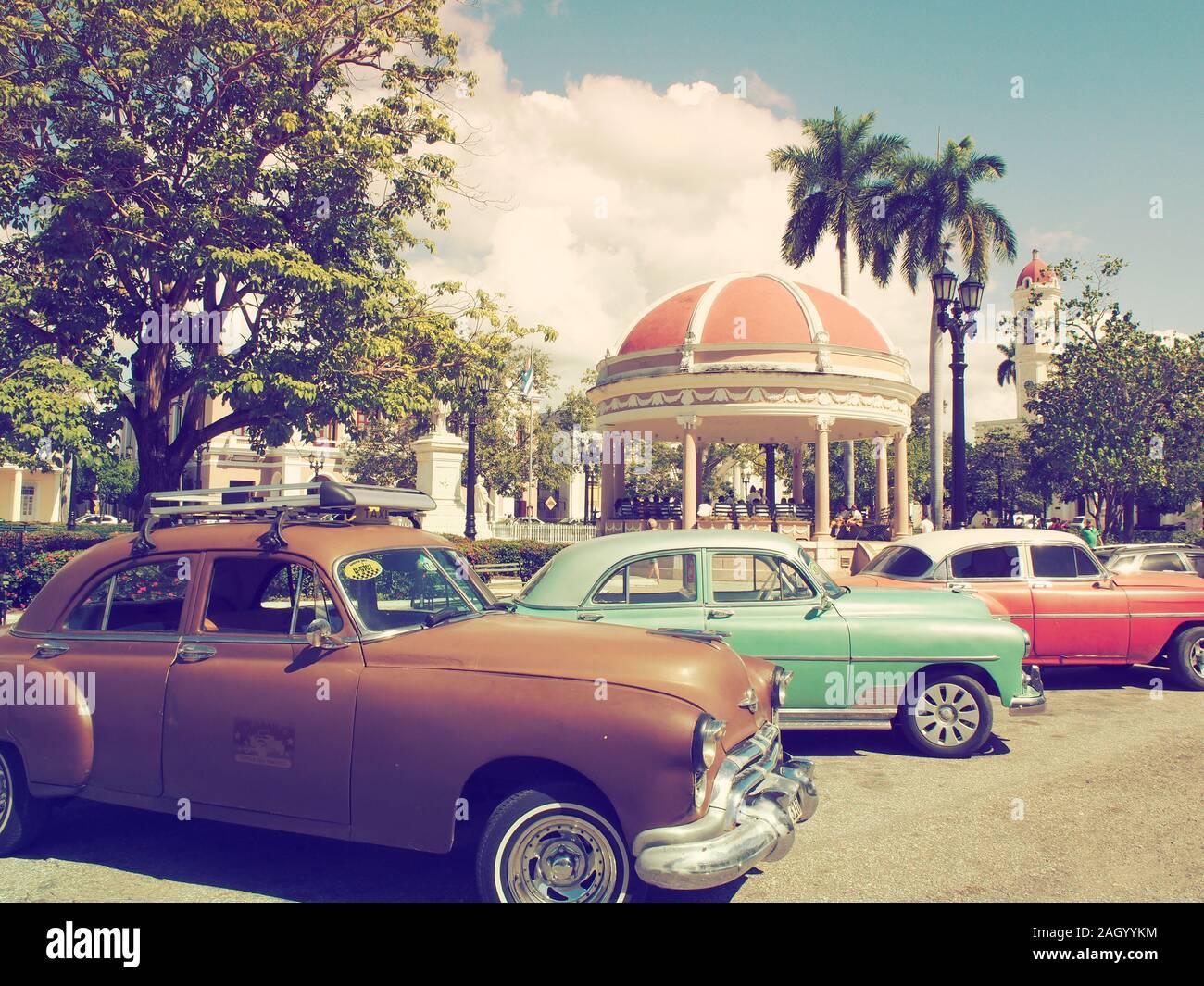 Oldtimer e automobili classiche nei Caraibi Foto Stock