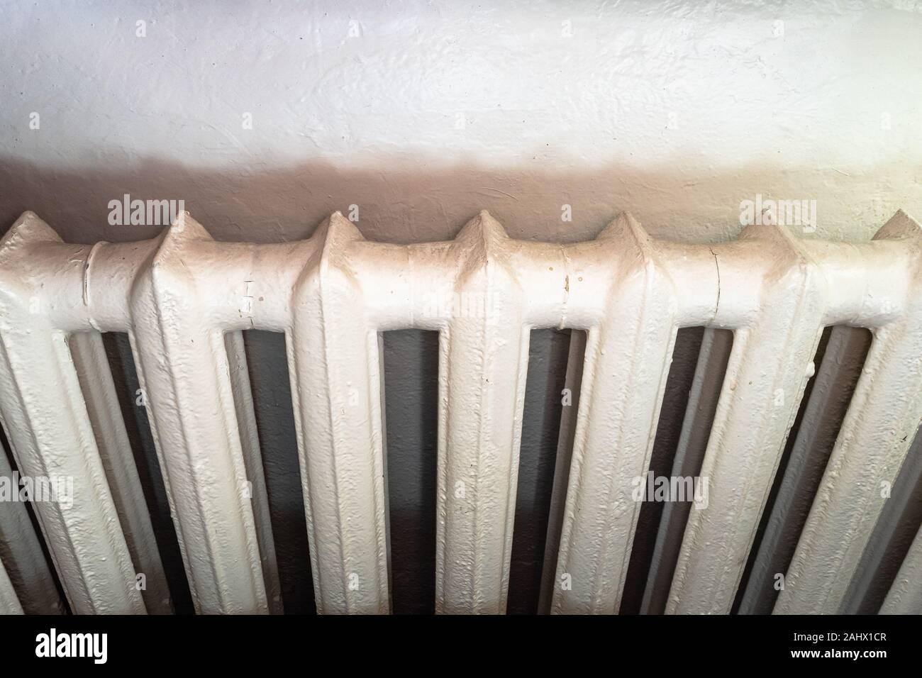 Costo Termosifoni In Ghisa radiatori in ghisa immagini & radiatori in ghisa fotos stock