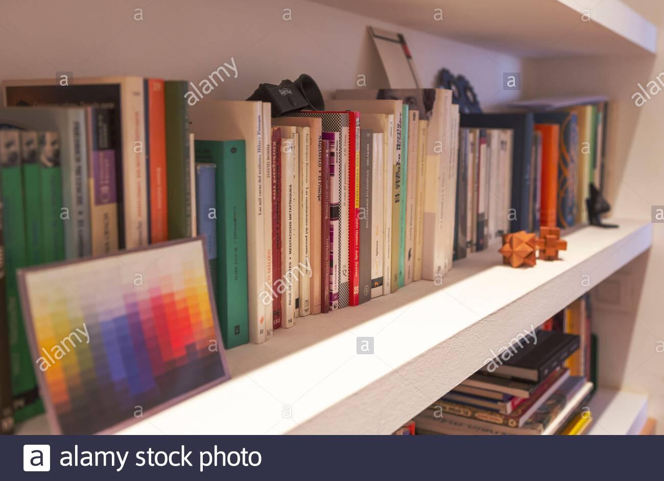 Libreria Per Libri Pesanti libri pesanti immagini & libri pesanti fotos stock - alamy