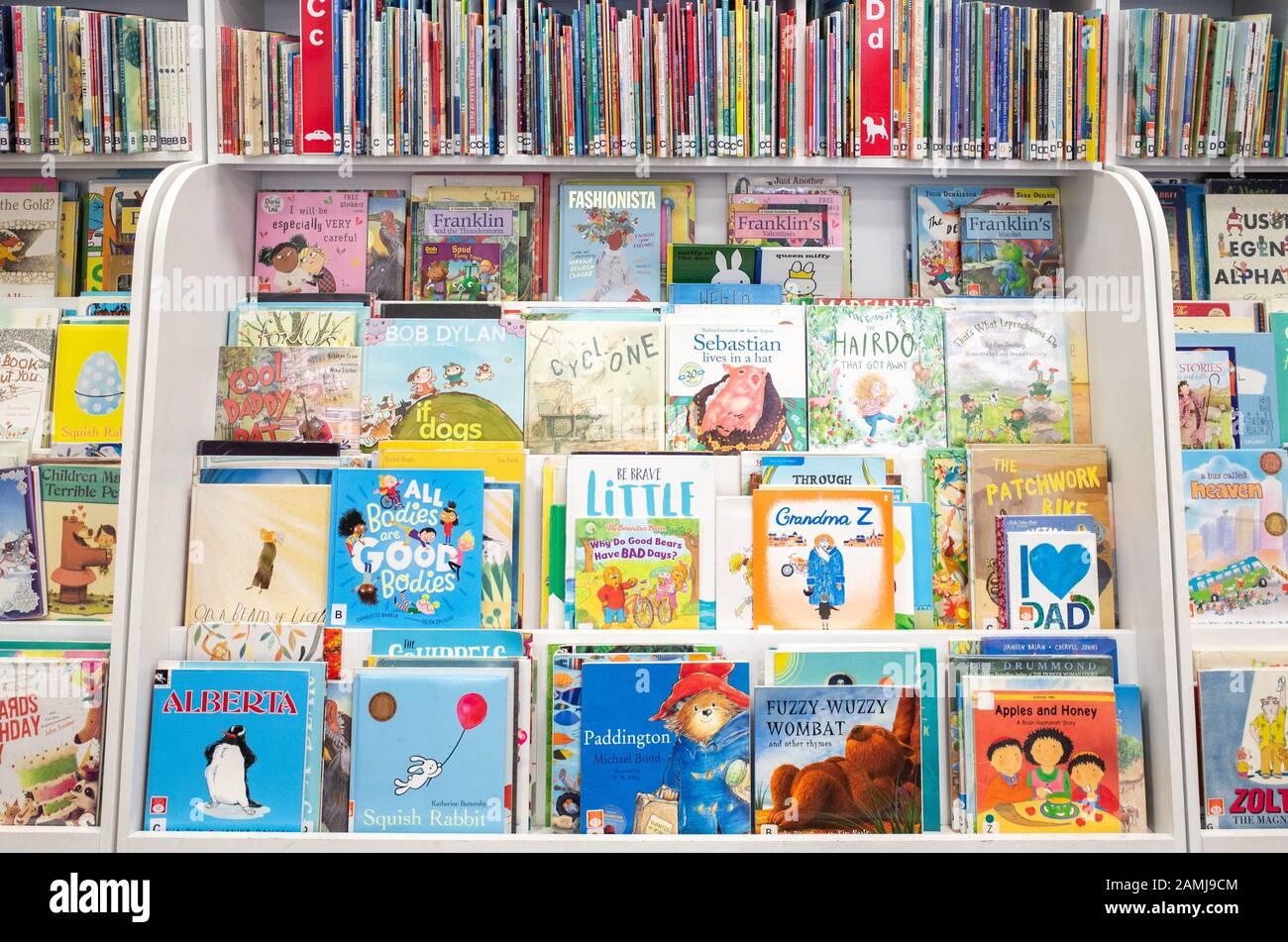 WUHUHAI Scaffale per Bambini Scaffale per Bambini Scaffale per Libri Scaffale in Legno Scaffale per Bambini Libreria per Bambini 5 imbracature per cameretta Sala Giochi Asilo Nido Scuola