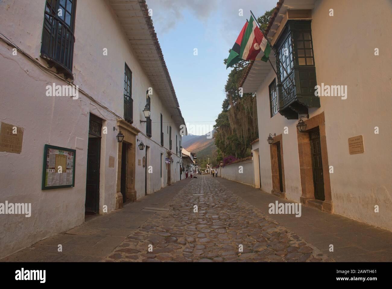 Strade acciottolate in affascinante villa coloniale de Leyva, Boyaca, Colombia Foto Stock