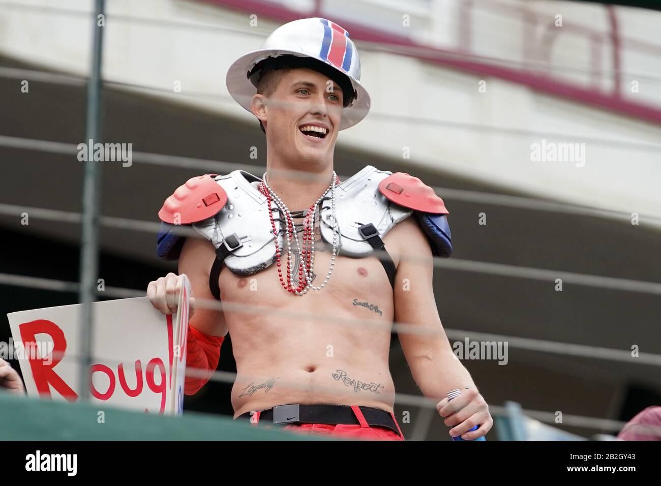 Houston Roughnecks fan mostrando spirito di squadra una partita di calcio XFL, Domenica 1 marzo 2020, ad Arlington, Texas, Stati Uniti. (Foto di IOS/ESPA-Images) Foto Stock