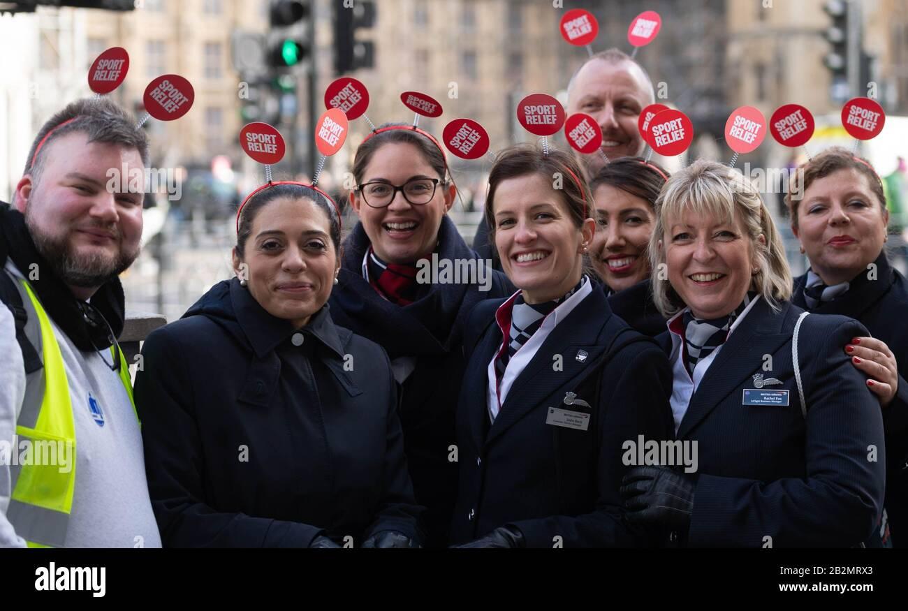 """Londra, Regno Unito. 3rd Mar, 2020. Il personale della British Airways partecipa a un """"filobus dash"""" a Westminster, per raccogliere fondi per Sports Relief 2020. Merito: Ian Davidson/Alamy Live News Foto Stock"""