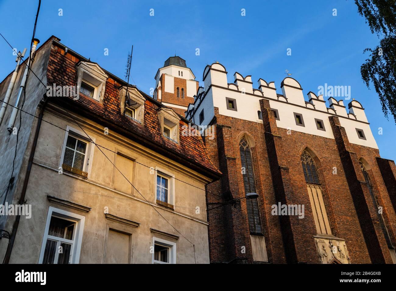 Europa, Polonia, Contea di Nysa, Opole Voivodato, Paczkow / Patschkau, municipio e centro città Foto Stock