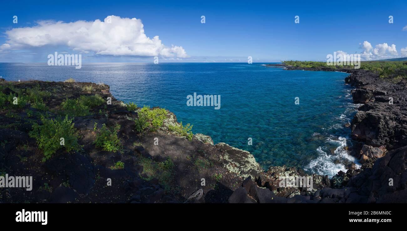 Vista sul mare e sulla costa, South Kona, Hawaii, USA Foto Stock