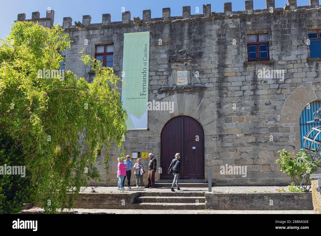SOS del Rey Catolico, Provincia di Saragozza, Aragona, Spagna. Palacio de los Sada, considerato il luogo di nascita nel 1452 di Ferdinando II d'Aragona che fa beco Foto Stock