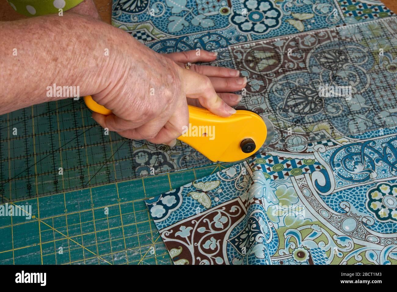 Sconosciuto Artigianato In Pelle In Acciaio Inox Utensili Di Cucito Tagliato Trincetto