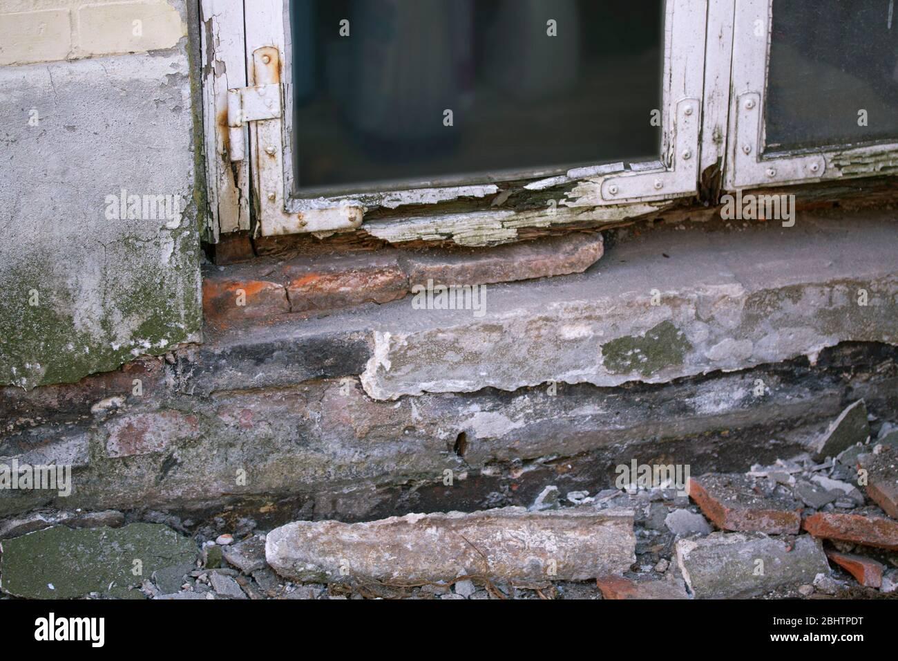 Muffa Vicino Agli Infissi finestra marcia immagini & finestra marcia fotos stock - alamy
