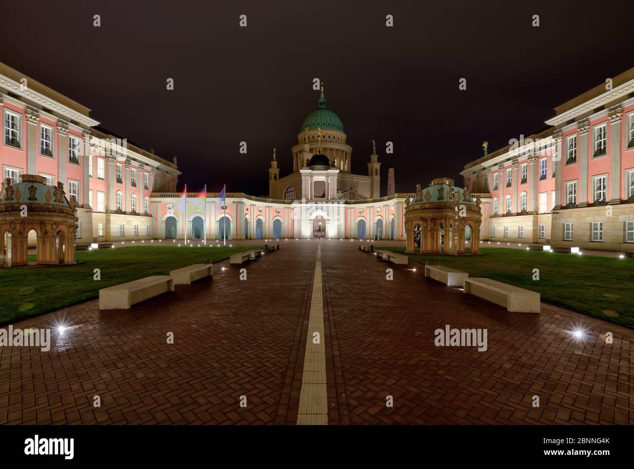 Palazzo della città, Governo dello Stato, Corte interna, ora Blu, Nikolaikirche, Potsdam, Brandeburgo, Germania, Europa Foto Stock