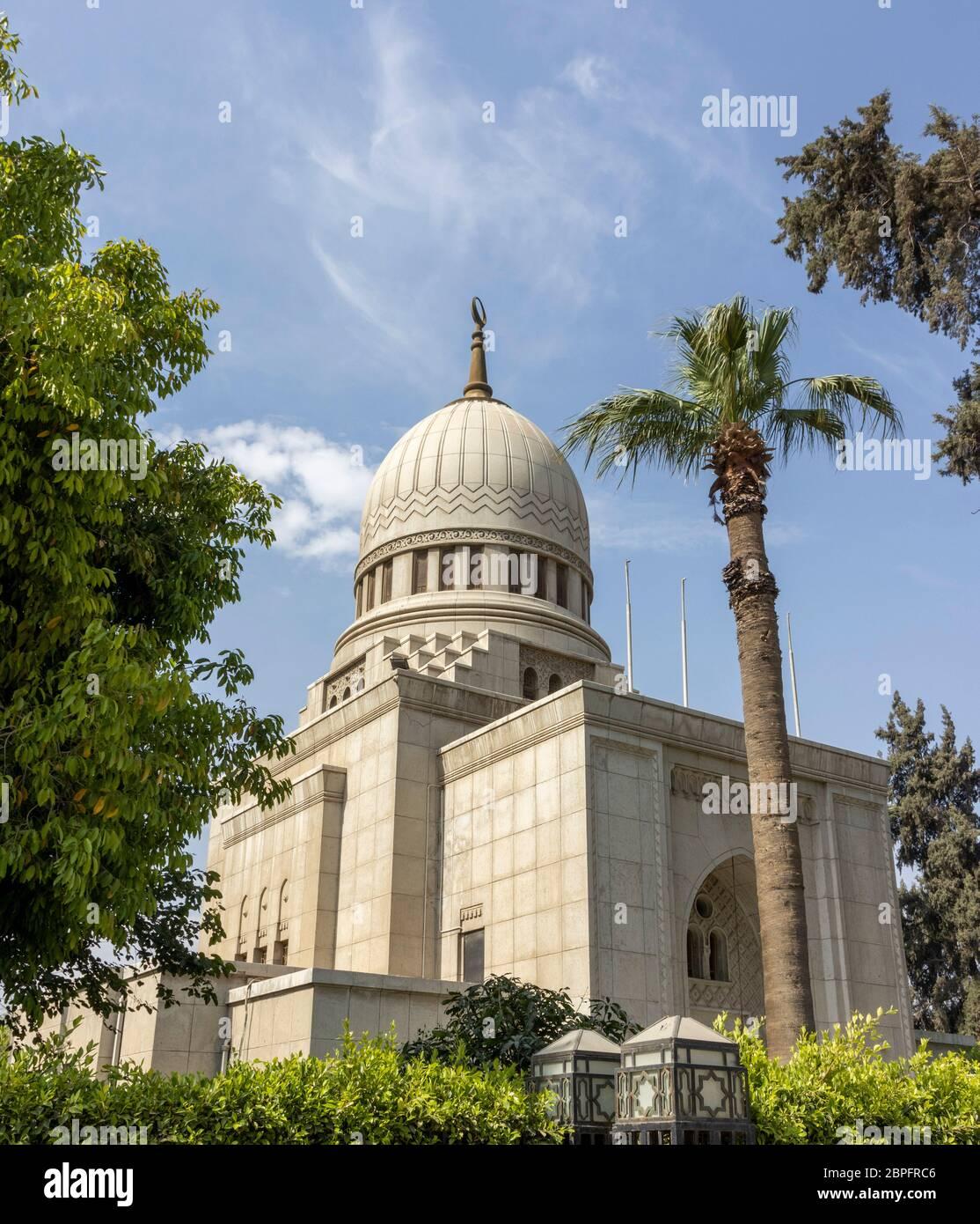Mausoleo di Mustafa Kamel, 1947, dall'architetto Ahmed Charmi, il Cairo, Egitto Foto Stock