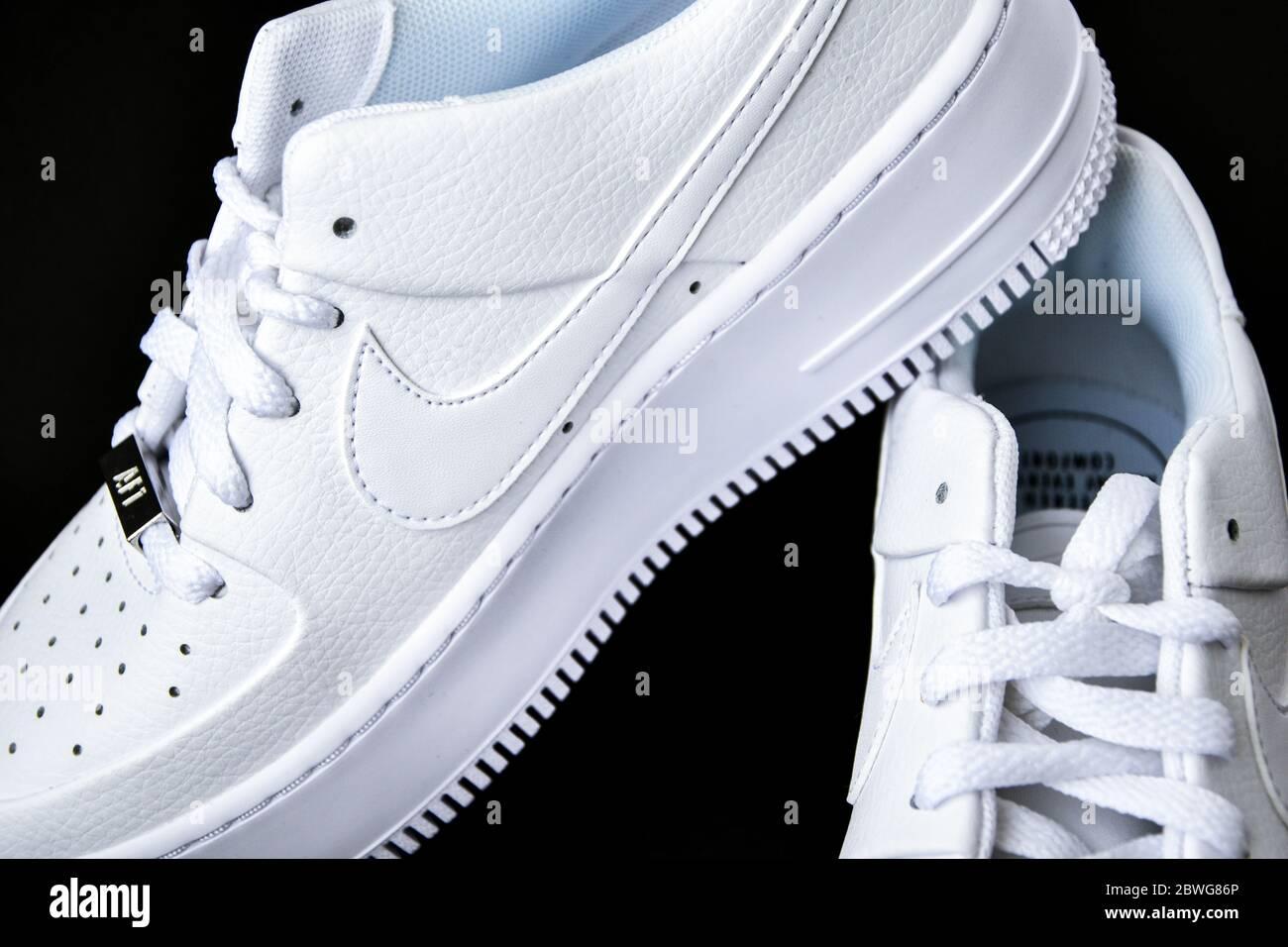 Black Nike Sneakers Immagini e Fotos Stock Alamy