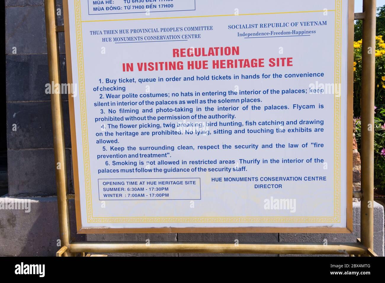 Segno della regola di regolazione, città imperiale, Hue, Vietnam Foto Stock