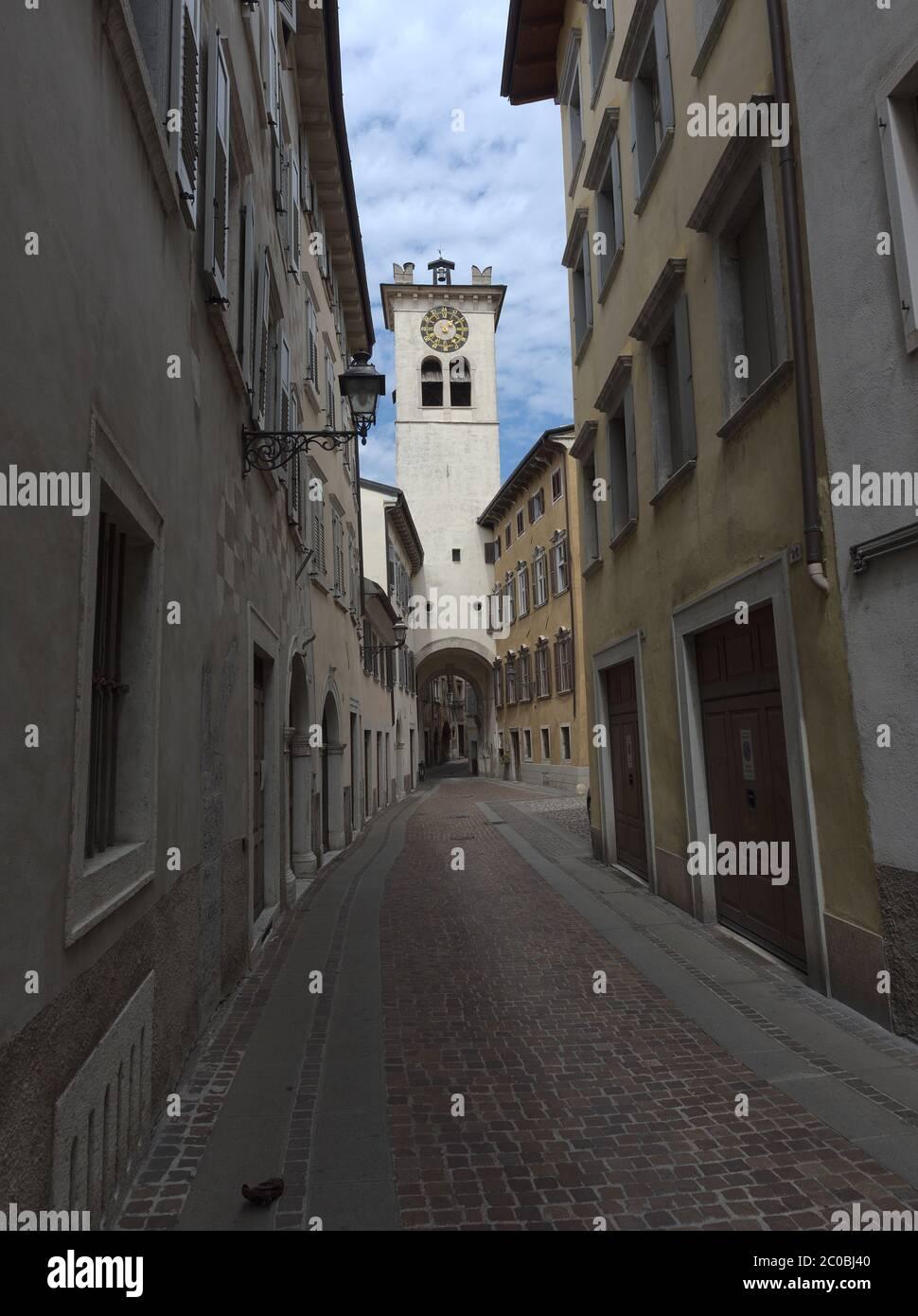 Rovereto Trentino Alto Adige Italia. Vecchia strada. Foto Stock