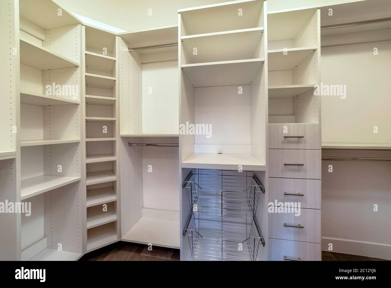 Ripiani Dell'armadio Immagini e Fotos Stock Alamy
