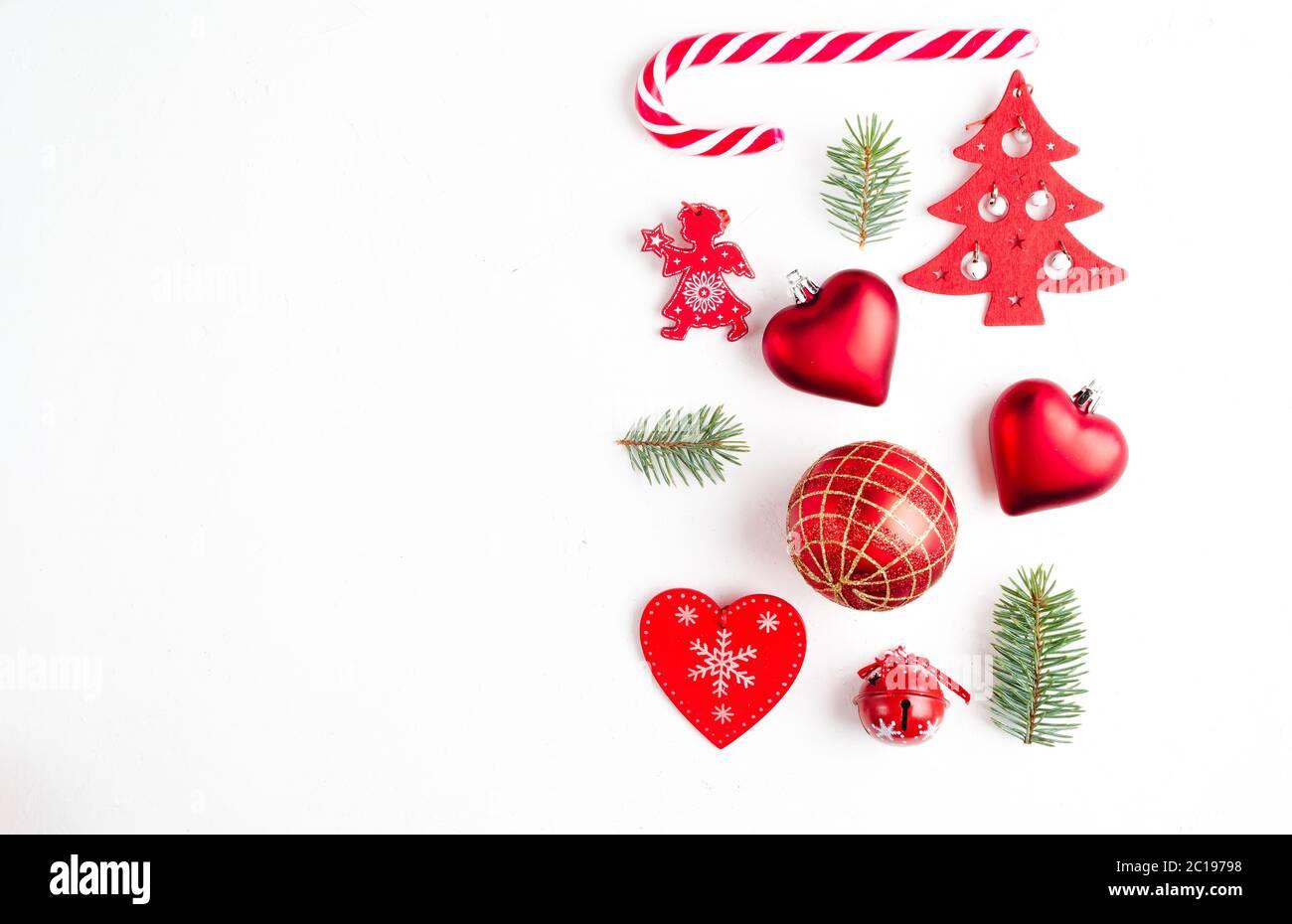 Decorazioni Natalizie Caramelle.Collezione Di Decorazioni Natalizie Cuori Rami Caramelle Natalizie Albero Di Natale Palle Angelo Campana Foto Stock Alamy