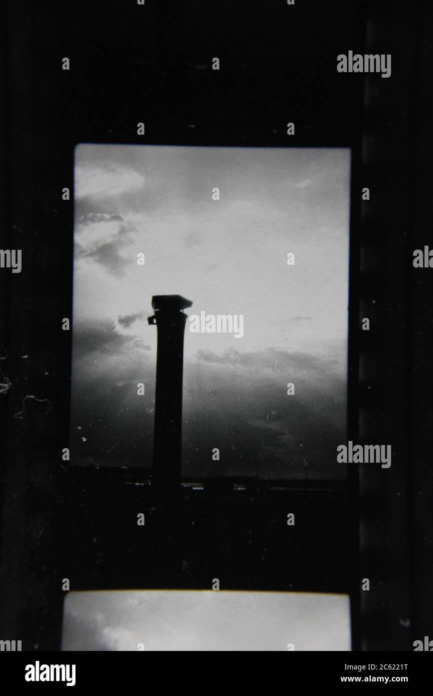 Fine anni '70 vintage contatto stampa in bianco e nero fotografia della o'Hare Airport torre di controllo. Foto Stock