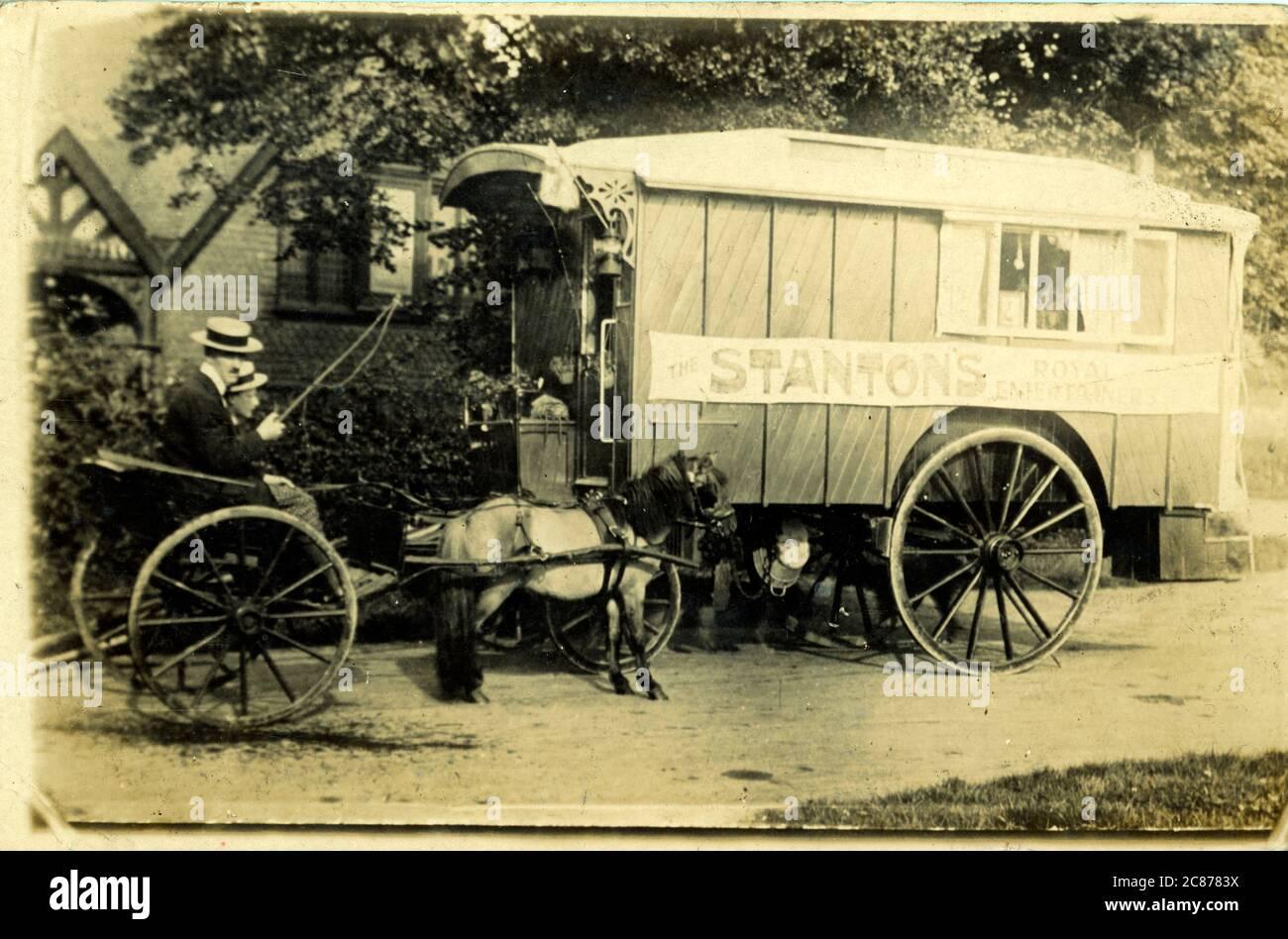 Vintage Caravan (Stanton's Royal Entertainers), Derby, Derbyshire, Inghilterra. Foto Stock