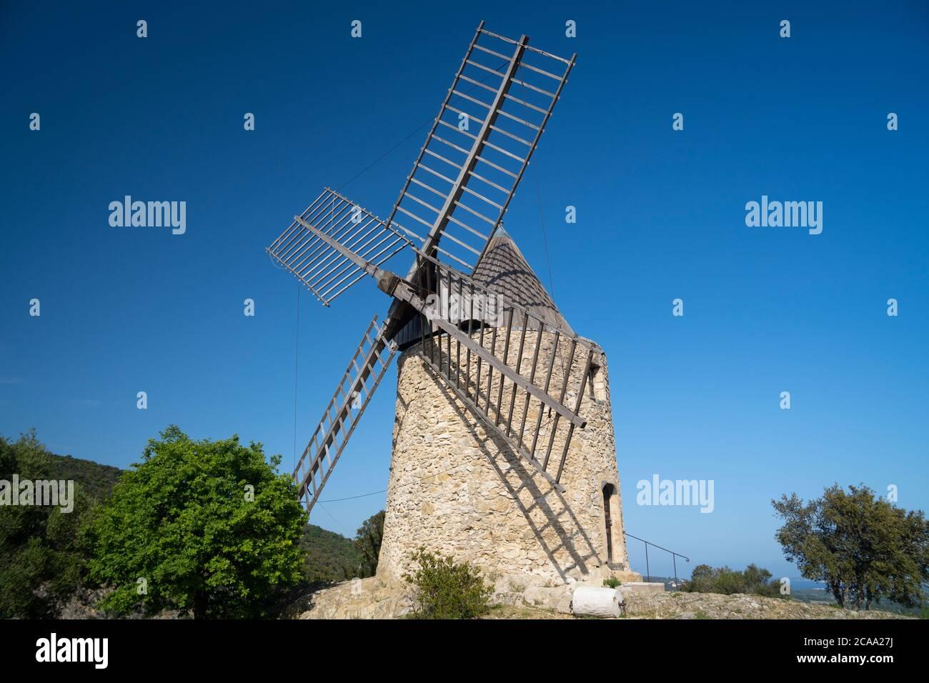 Golfo di Saint Tropez, Villaggio di Grimaud, il mulino a vento Foto Stock