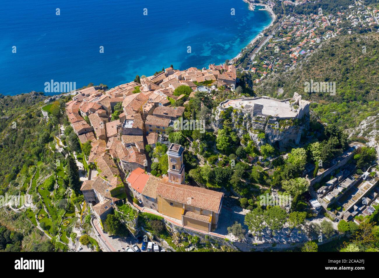 Francia, veduta aerea di Eze sulla costa azzurra, un tipico villaggio nel sud della Francia Foto Stock