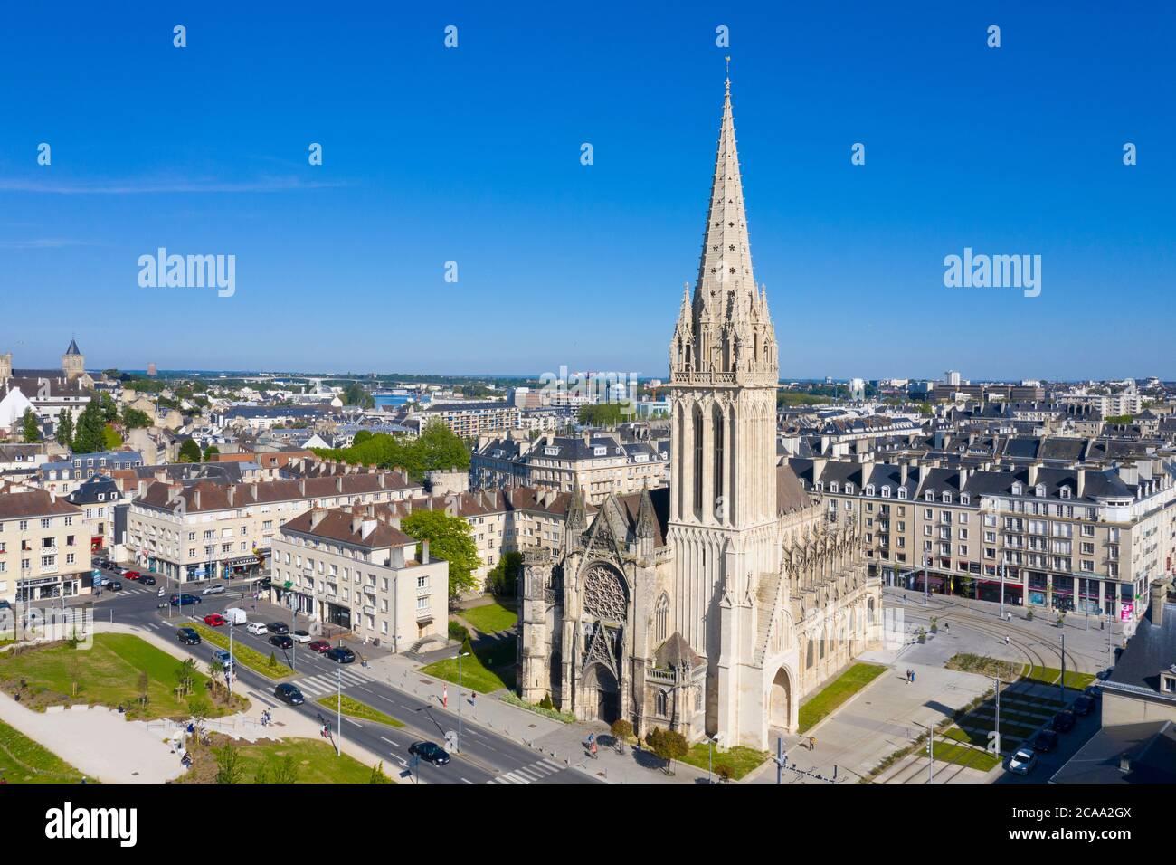 Caen, veduta aerea della Chiesa di Saint Pierre e Castello Foto Stock